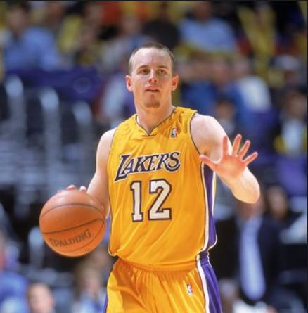 湖人将雇用迈克-潘佩西为投篮教练,后者曾效力于湖人