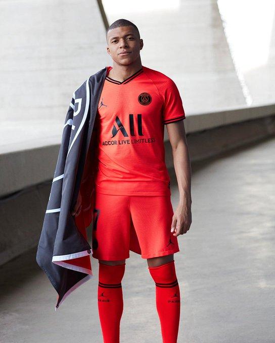 乔丹系列接续!巴黎推出19-20赛季新客场球衣