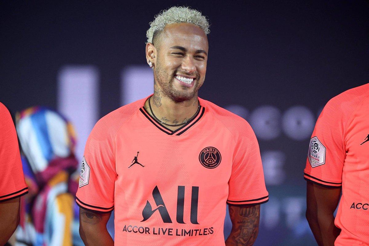 西媒:内马尔转会现转机,巴黎不再排挤插手球员交流