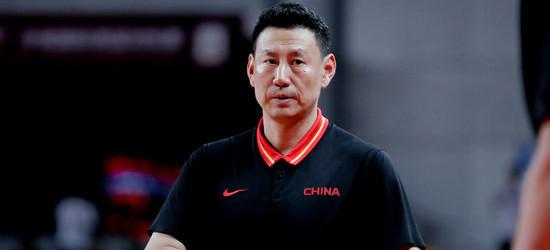 李楠:进攻不顺要靠防守,安心准备后面的比赛