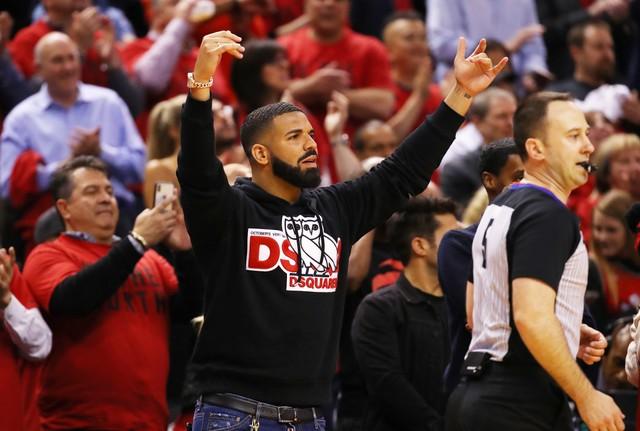 Drake在其参与录制的新单曲中提到总决赛中的杜兰特