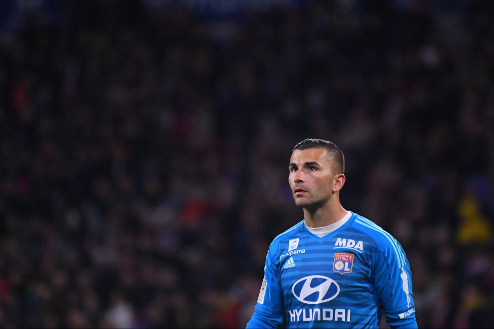 法国足球:巴黎有意里昂门将洛佩斯,球员合同明年到期