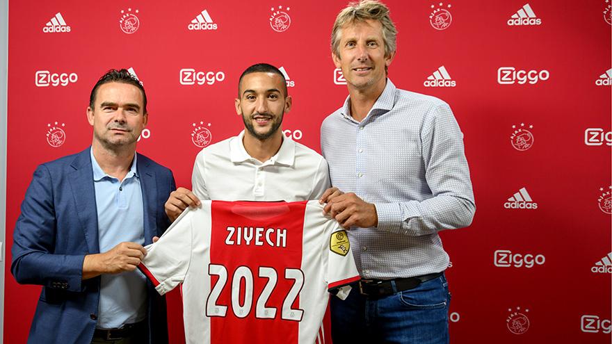 官方:齐耶什和阿贾克斯续约至2022年