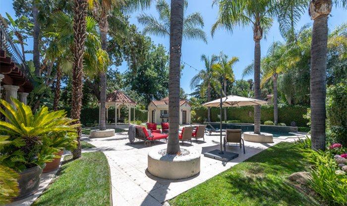 贾维尔-麦基以330万美元的价格销售洛杉矶的一处豪宅