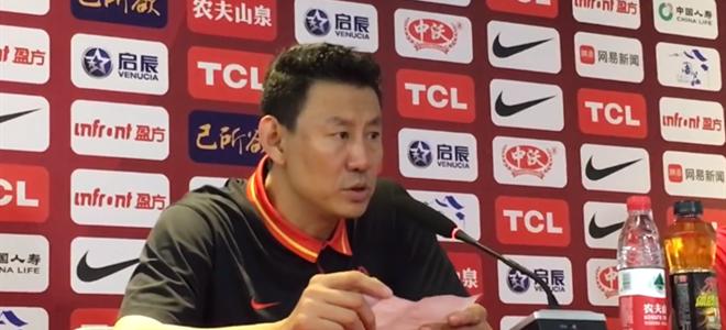 李楠谈阿联:在攻防两端都给球队很大帮助