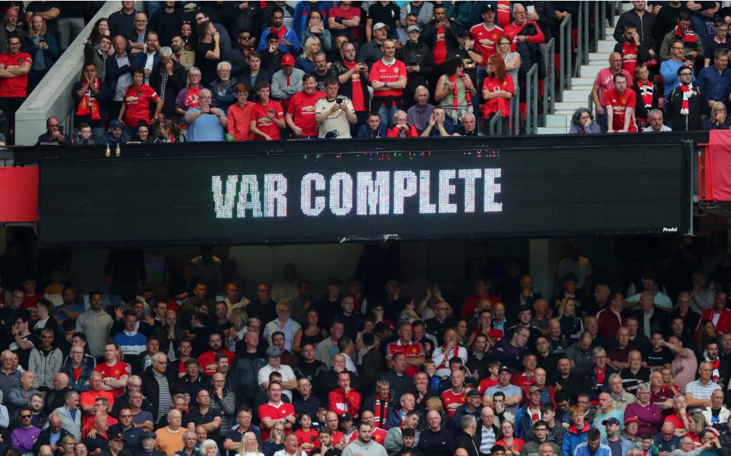 VAR引热议,IFAB考虑向现场观众开放视频判罚过程