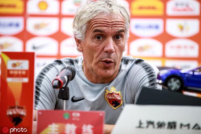 多纳多尼:球员们要学习托西奇,希望他们能大胆去攻