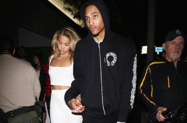 乌布雷被拍到与模特Jasmine在街头手牵手