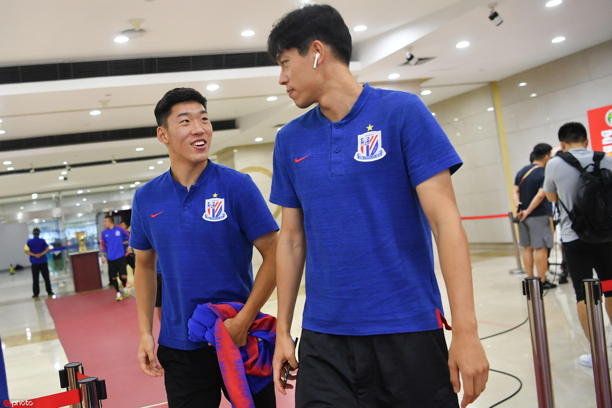 申花队报:朱辰杰因伤缺席赛前训练,但伤势不重