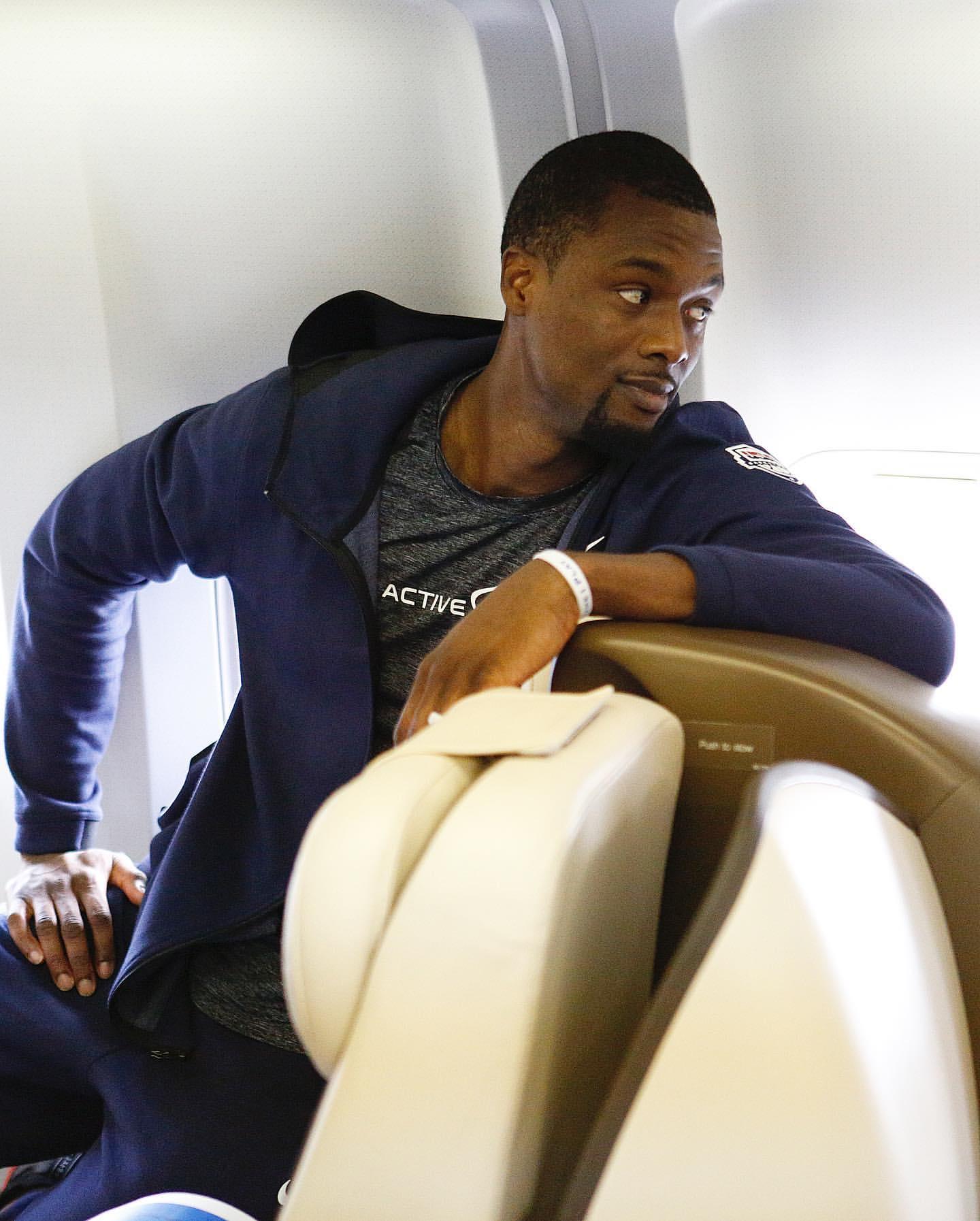NBA官方发布美国男篮登机照:下一站,<a href=