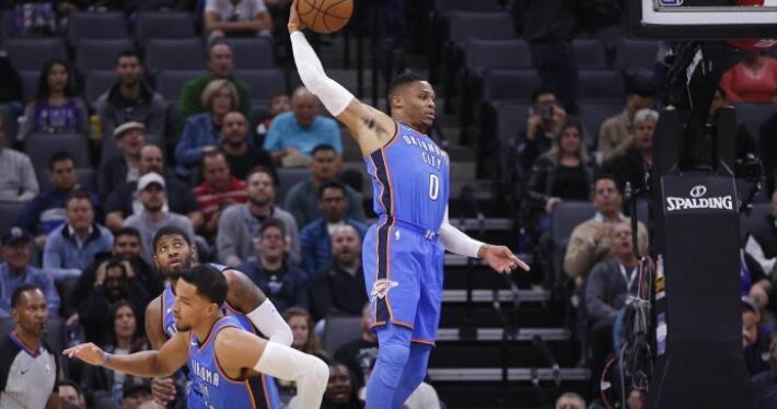 莫雷:想让威少抢下后场篮板球然后推动反击