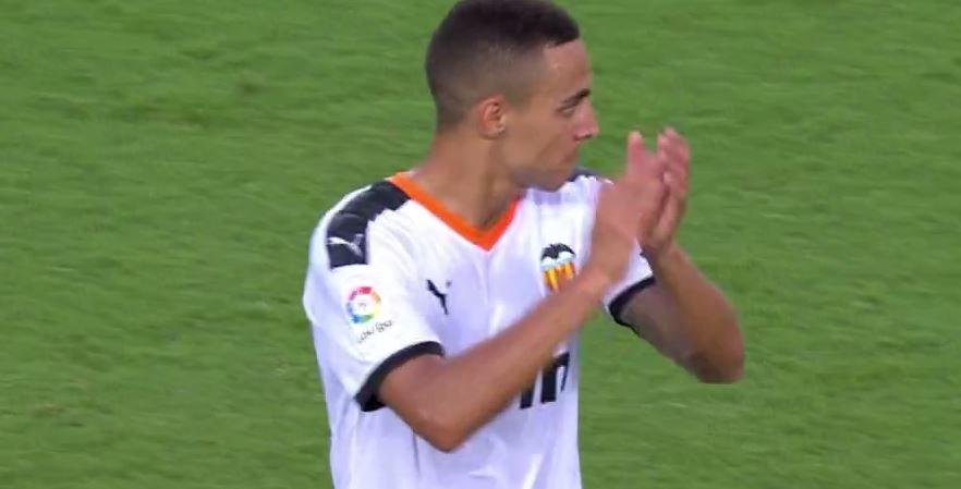 最后一战?瓦伦西亚球迷在罗德里戈被换下时起立鼓掌