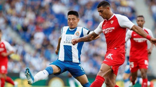 武磊首发登场雷吉隆传射,西班牙人0-2不敌塞维利亚