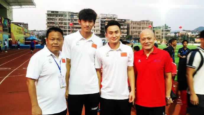 二图流:南粤足球传承,两代国脚王惠良谢育新父子同框