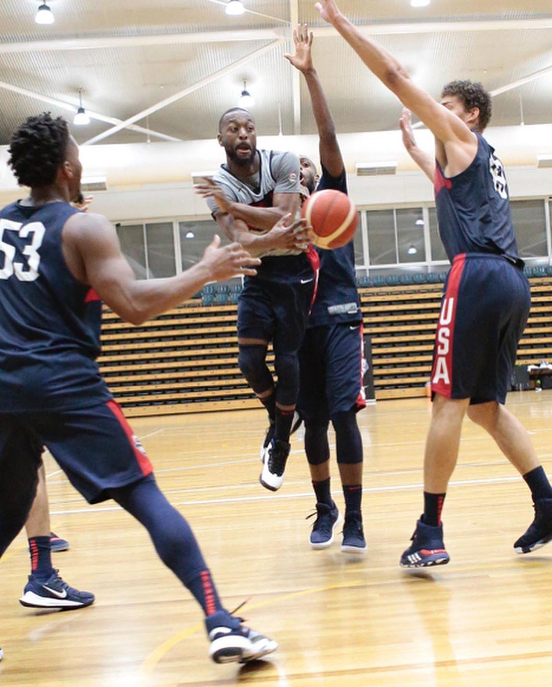 NBA官方发布美国男篮今日训练图集