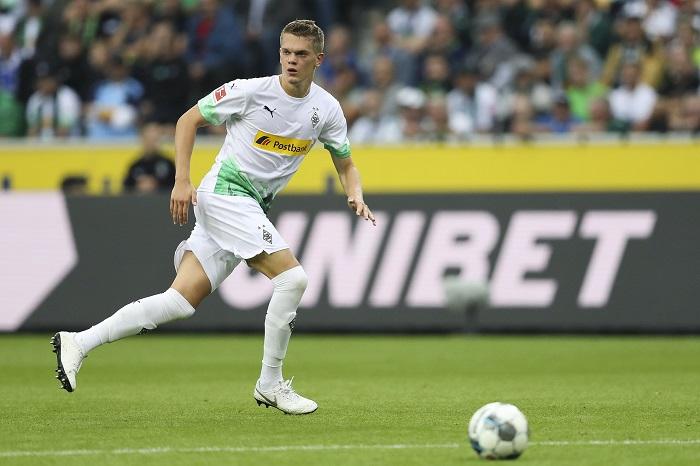 恭喜,德国国脚中卫金特尔完成德甲200场里程碑