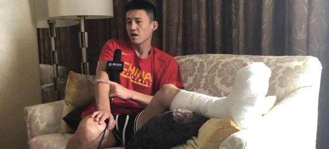左脚需一周才能下地,周鹏:不希望球队因其受伤受到影响