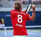 身份暴露了!德国网球选手兹维列夫身穿拜仁球衣备战美网