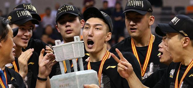 新疆男篮发文祝贺可兰白克:时光不负有心人,可兰加油