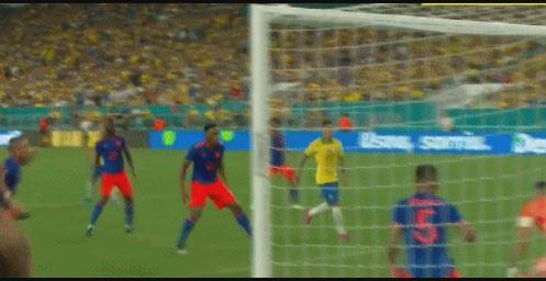 GIF:精确制导,内马尔角球助攻卡塞米罗头槌破门
