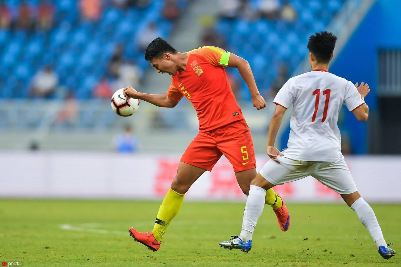 国奥炎身:阮礼凌双响刘若钒伤退,中国0-2越南