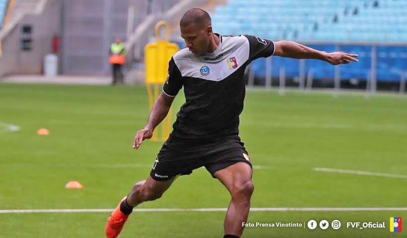 为处理在中国踢球签证,龙东挑前脱离委内瑞拉国家队