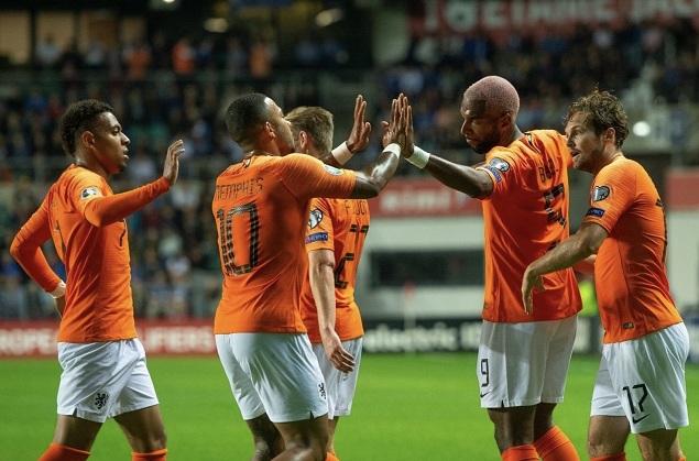 欧预赛:孟菲斯2传1射巴贝尔双响,荷兰4-0爱沙尼亚