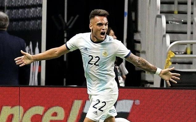 友谊赛:劳塔罗半场戴帽帕雷德斯传射,阿根廷4-0墨西哥