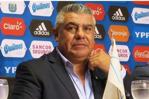 阿根廷足协主席:马拉多纳向人们展现了男人的担当和职责