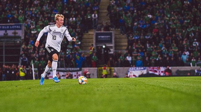 表现出色,布兰特当选德国对阵北爱尔兰最佳球员