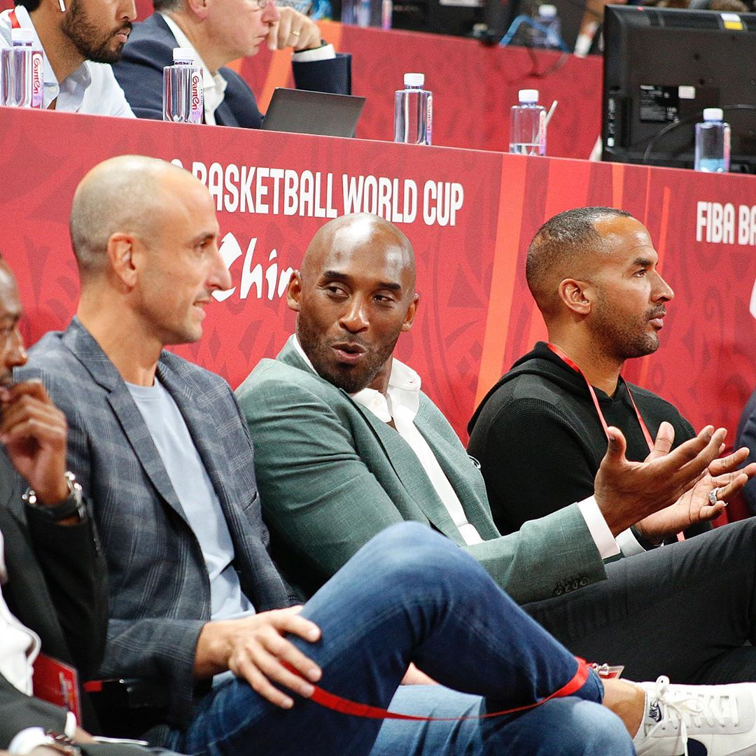回忆满满!科比和吉诺比利一同观战篮球世界杯半决赛