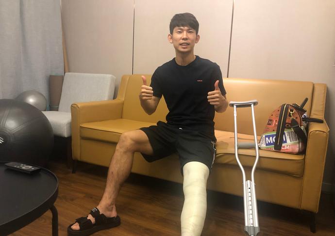 杨世元:感谢上港为我做的一切,积极康复尽快回归赛场