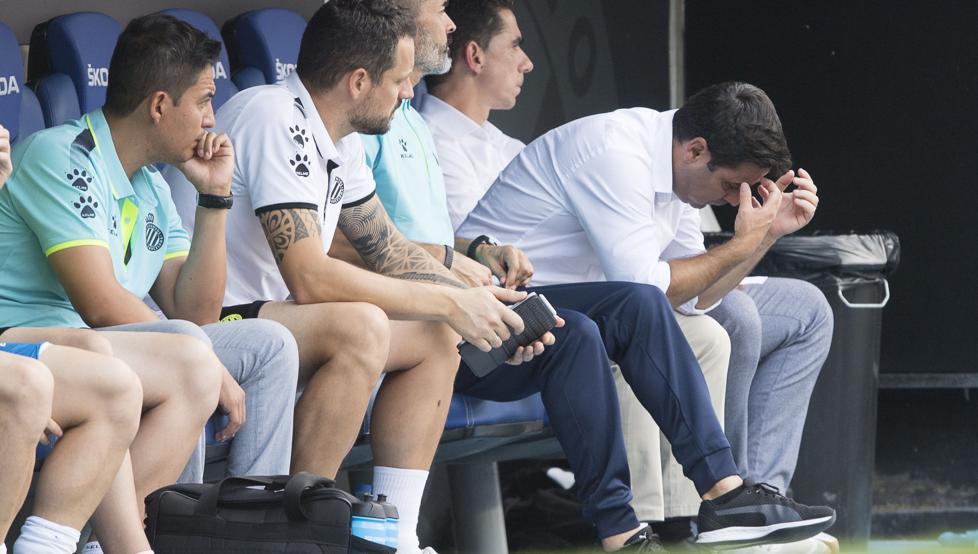 身处降级区 浓密赛程,添列戈与球员开会商议解决手段