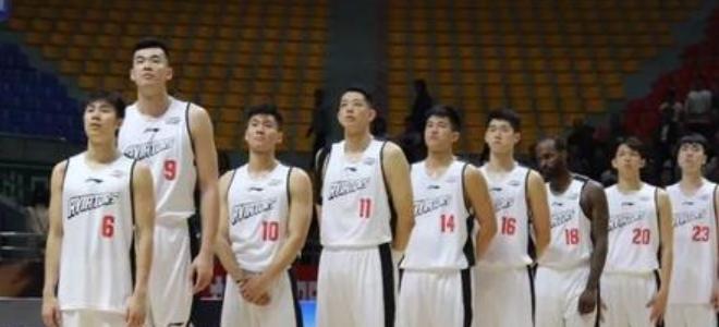 深圳队三战全胜获得2019四国男篮邀请赛冠军