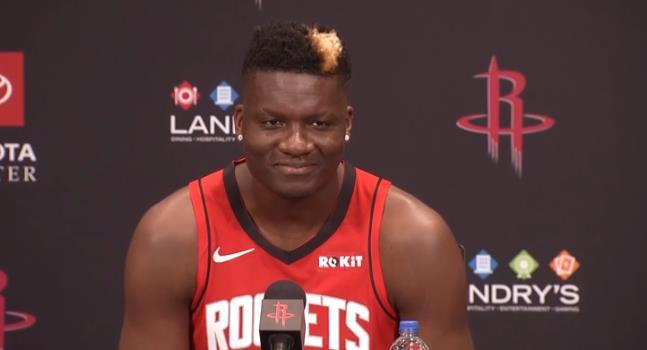 卡佩拉:我将打得充满活力,会抢下更多的篮板球