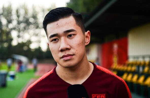 陈彬彬:本身会扛起应有的责任,和中方教练更聊得来