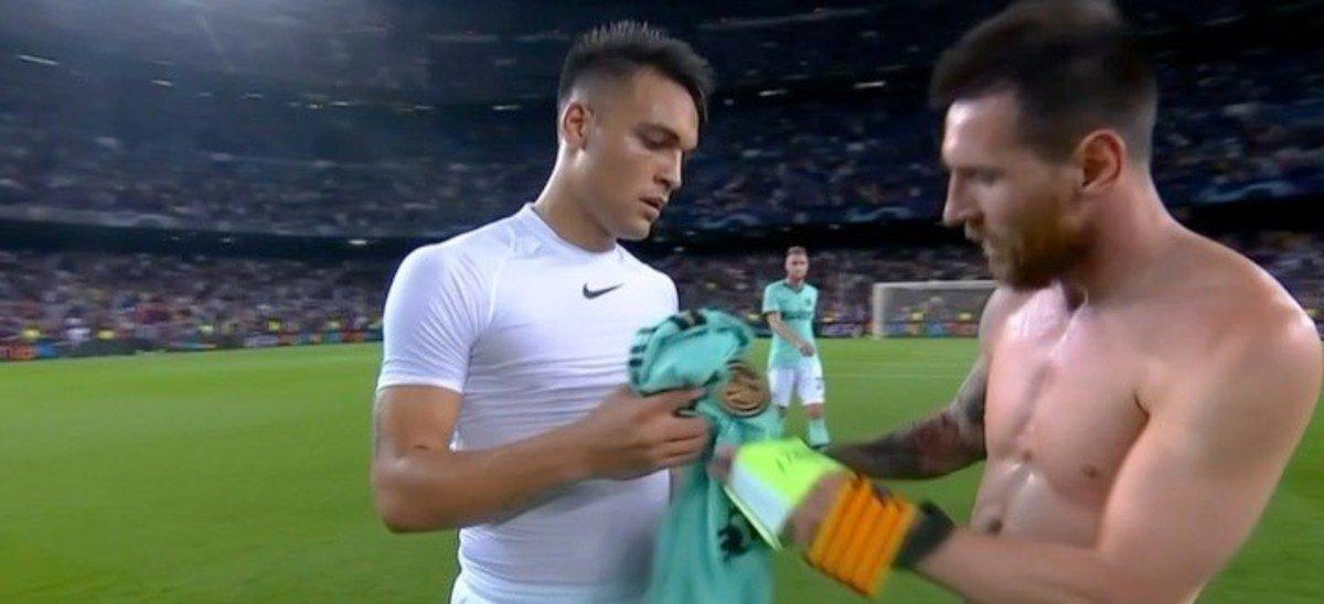 老乡见老乡,梅西与劳塔罗赛后互换球衣做纪念