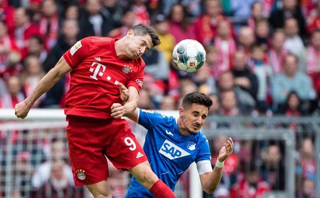 阿达米扬双响莱万难救主,拜仁1-2霍芬海姆遭联赛首败