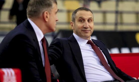 大卫-布拉特因病辞去希腊俱乐部奥林匹亚科斯主教练职务