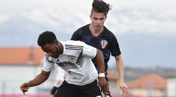 天空体育:曼城关注萨格勒布迪纳摩18岁边锋马林