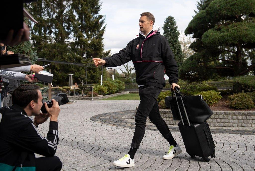 图片报:诺伊尔未穿阿迪达斯报到德国队,品牌方非常不满