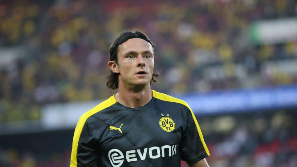 踢球者:多特后卫舒尔茨伤停一个月后,终究 回归合练