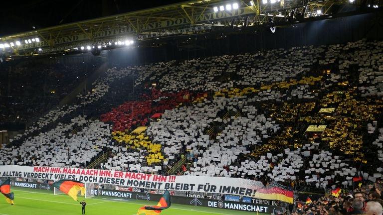揭伤疤!德国球迷对阿根廷打出纪念格策绝杀TIFO