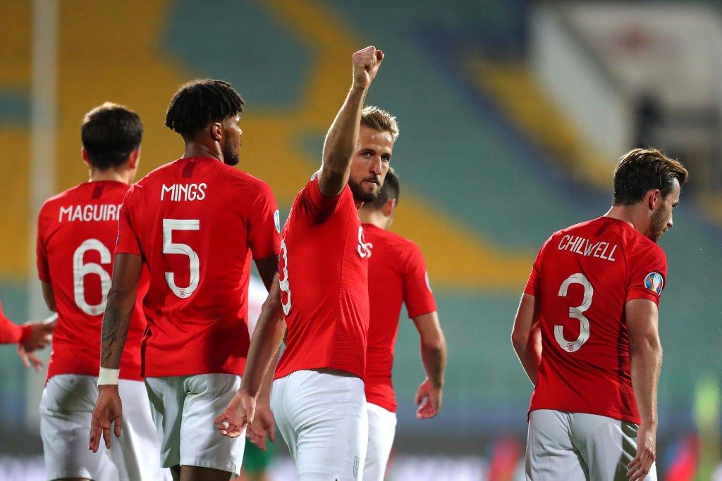 英足总官方:英球员遭到种族歧视,将要求欧足联紧急调查