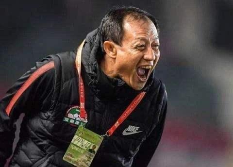 王宝山:期待战重庆拿到三分,会去重点限制卡尔德克