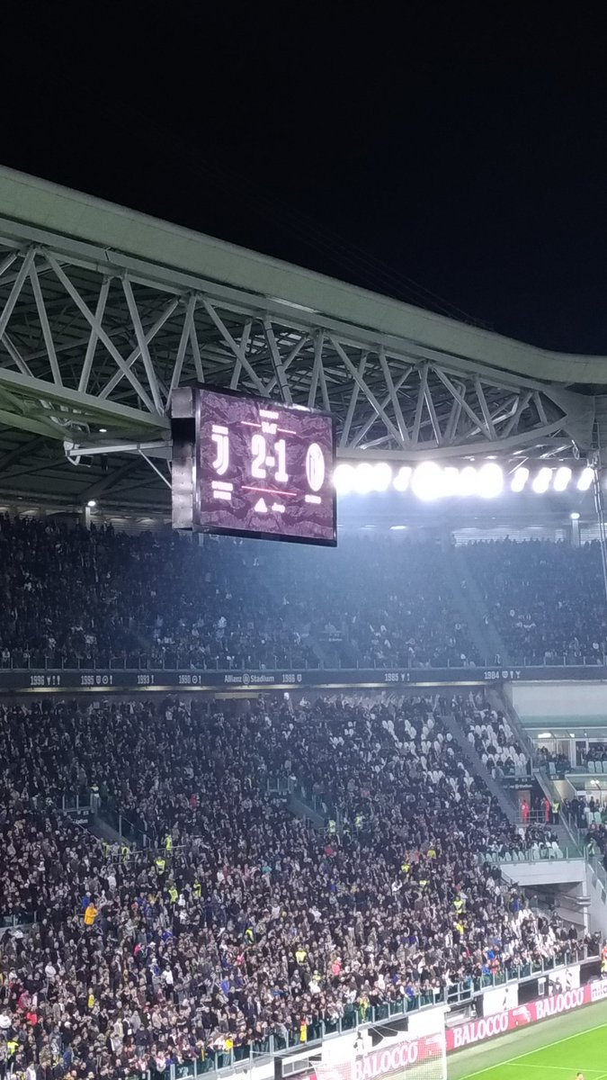 GIF:皮亚尼奇混战中推射得分,尤文2-1再度抢先