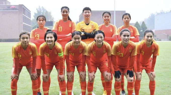 足球报:女足奥初赛 小组出线不难,真正考验在终究 阶段