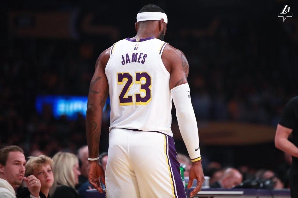 戰火重燃!湖人官方發佈賽場照展望新賽季:週二開戰-Haters-黑特籃球NBA新聞影音圖片分享社區