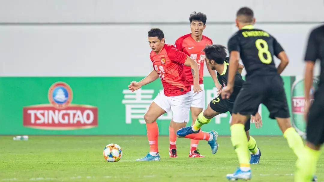 马德兴:恒大输在硬实力上,国足加上归化球员能否闯关