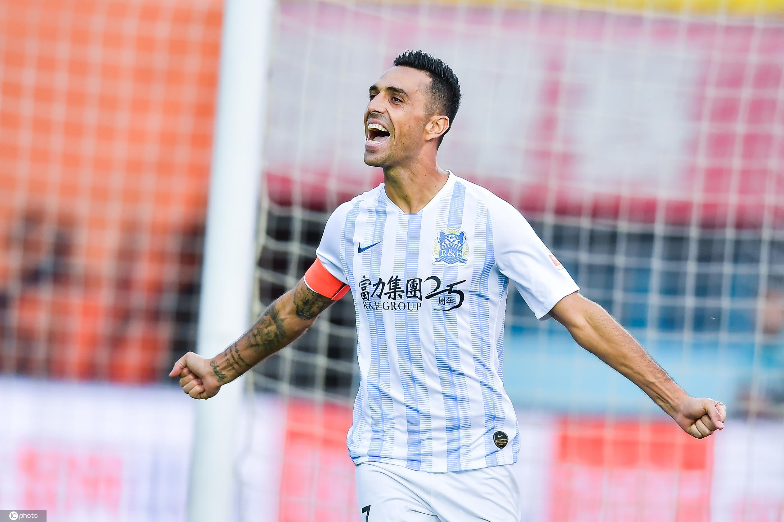 膜拜新王!扎哈维打破中国顶级联赛单赛季进球纪录